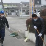 14_2011年度火山灰除去ボランティア0227_3